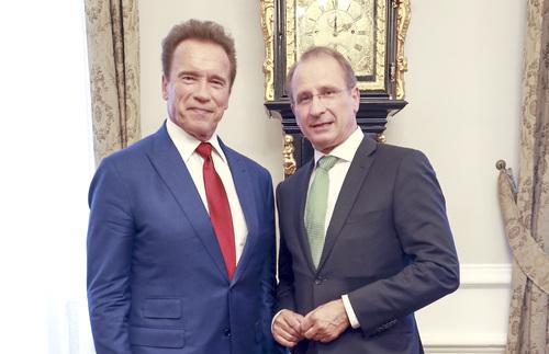 Offene Briefe Beispiele : Schwarzenegger unterstützt bodenschutzkampagne der